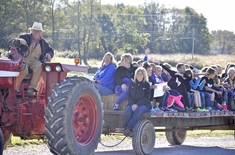 Children and teachers enjoy a hayride during 4-H Farm Days (Critley King/The Reg
